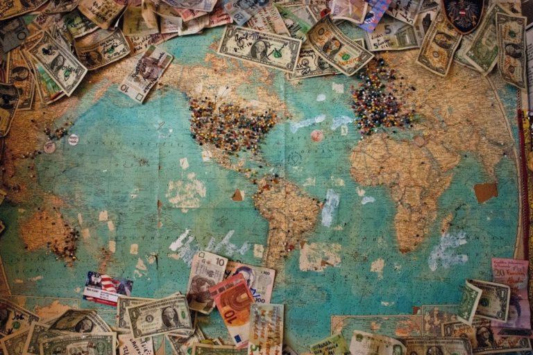 Con algo de planificación financiera y disciplina, los expatriados que se mudan al extranjero pueden asegurarse de mantener sus asuntos financieros en orden y sus objetivos a largo plazo encaminados.